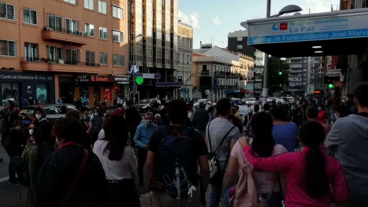 Concentración frente al Centro de saludo José Marvá en junio de 2020
