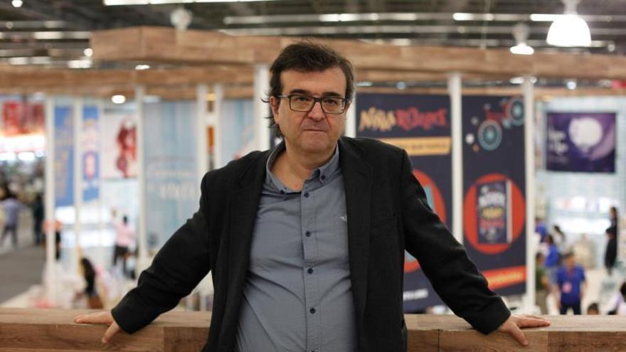 El escritor español Javier Cercas durante una entrevista con Efe el domingo 1 de diciembre, en el marco de la 33 edición de la Feria Internacional del Libro de Guadalajara, en Jalisco (México).