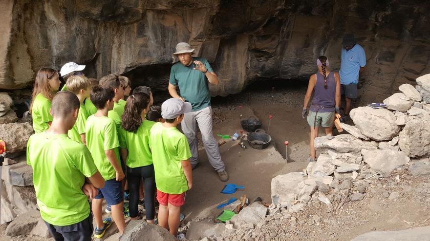 Excavación arqueológica en el barranco de Los Gomeros  (Tijarafe)