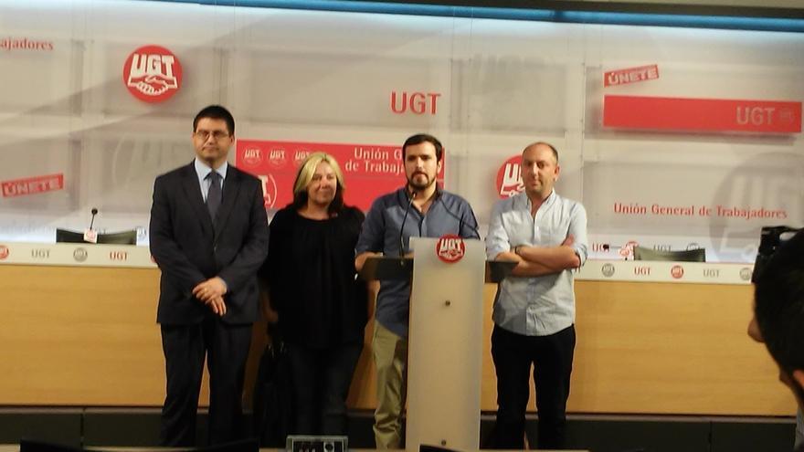"""Garzón niega credibilidad a los bancos que intentan """"asustar"""" sobre el voto a Unidos Podemos"""