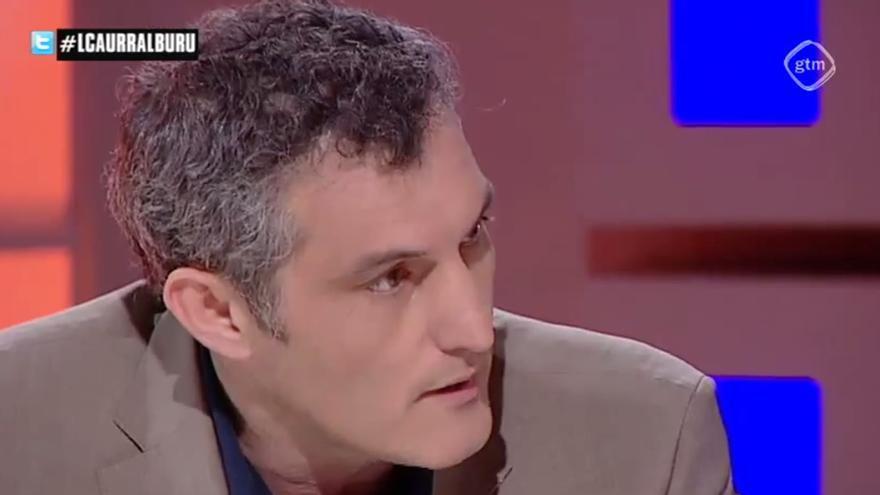 Óscar Urralburu durante su entrevista en televisión
