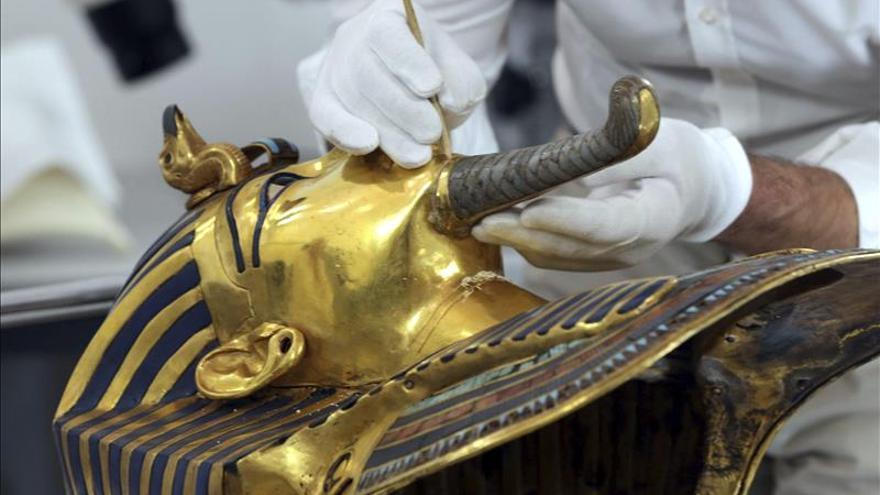 Concluye la restauración de la máscara funeraria del faraón Tutankamón
