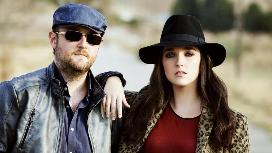 Los hermanos Aurora y Ángel Pérez componen el dúo Random Thinking.