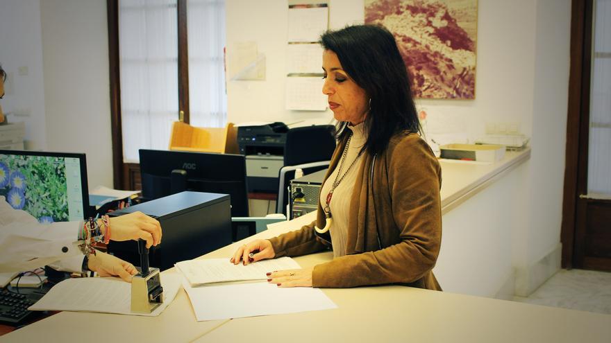 Marta Bosquet registra la primera proposición de ley de C's en el Parlamento de Andalucía.