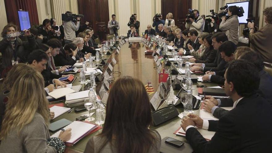 Arias Cañete logra un consenso básico con las 17 Comunidades Autónomas para aplicar la PAC