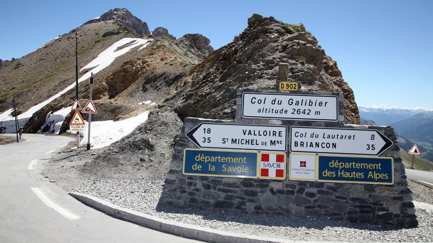 Galibier: En el puerto del Galibier, en los Alpes, Trueba escribió la página más gloriosa de su carrera. Coronó la ascensión en solitario y estableció el récord de la ascensión más rápida de la historia.