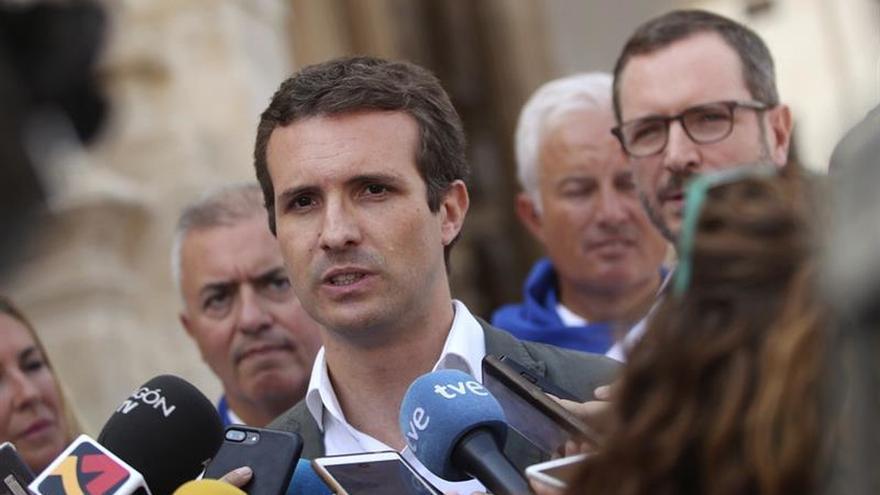 """Casado ve """"las mismas mentiras"""" en querella de Puigdemont y en el Gobierno"""