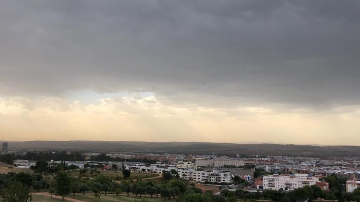 Vista de la ciudad desde La Asomadilla con polvo en suspensión