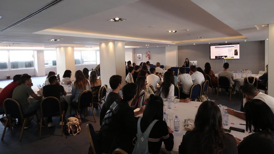 Taller de Periodismo de género en el II Foro de Periodismo de Canarias Ahora.  (ALEJANDRO RAMOS)