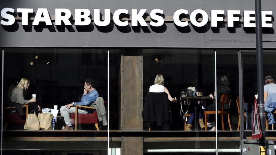 Starbucks sube un 11 por ciento su beneficio y logra un récord en el último año