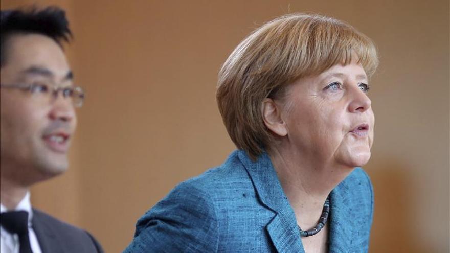 Ni la alianza de Merkel ni la oposición obtendrían la mayoría, dice un sondeo