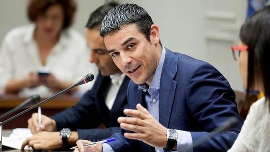Narvay Quintero, consejero canario de Agricultura, en una comparecencia en comisión parlamentaria