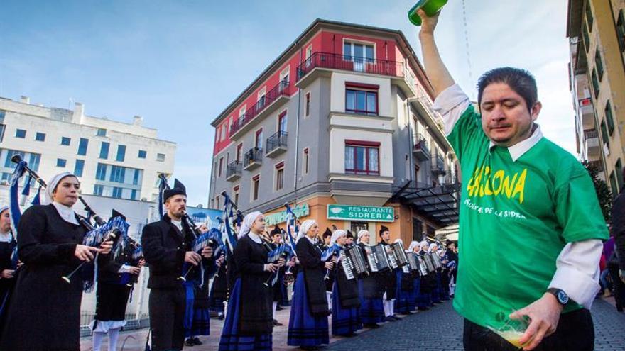 """Asturias echa un """"culín"""" para que la sidra sea Patrimonio de la Humanidad"""