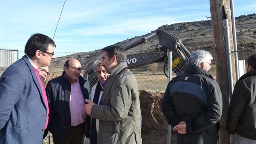 Obras para arreglar una avería hídrica en Guadalajara / Foto: Junta