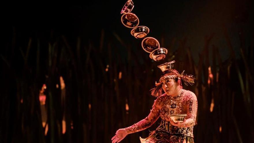 Representación del espectáculo 'Totem' en Meloneras. (EFE)