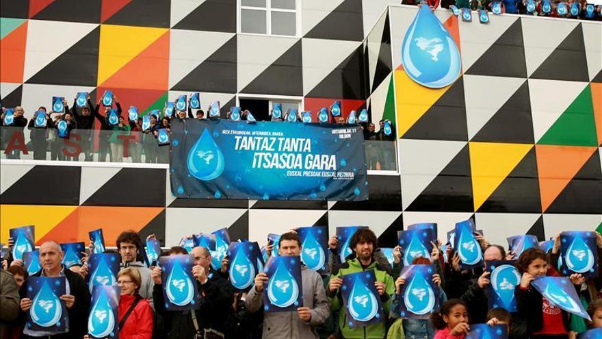 """Simpatizantes de los presos de ETA piden """"pasos"""" para lograr la paz"""