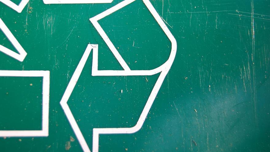 Las tres flechas se han convertido en un icono universal (Imagen: James Wang   Flickr)