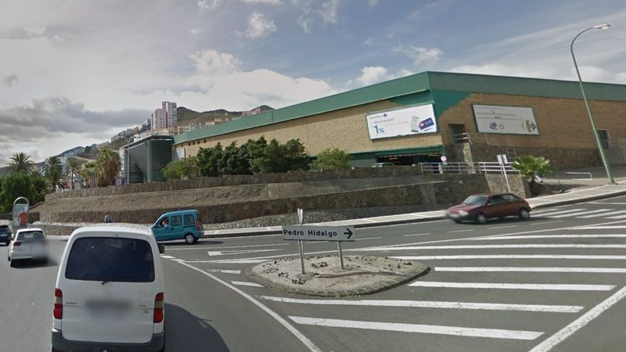desalojado el centro comercial de hoya de la plata por el