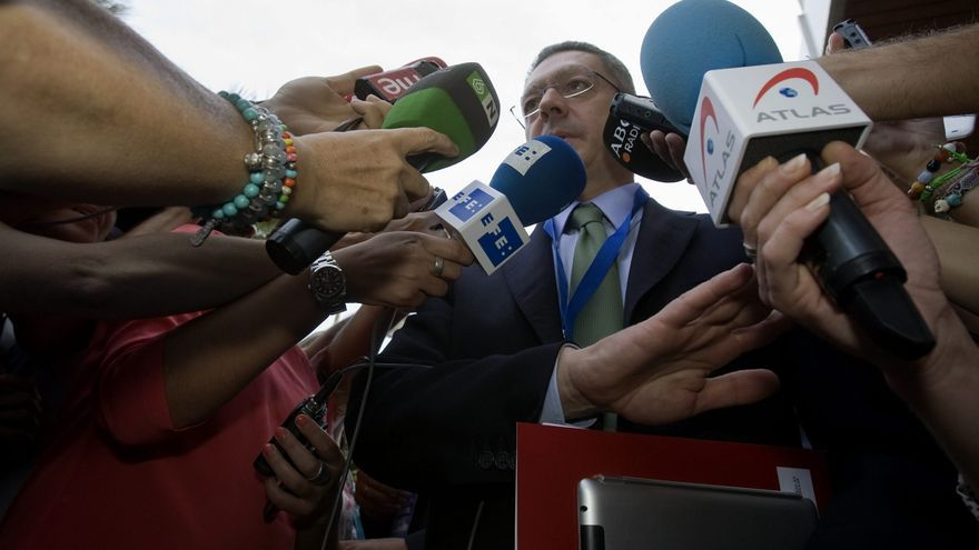 Gallardón pide al PSOE que tenga el mismo discurso en todo el país, como el PP