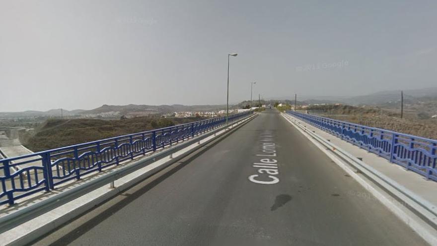 Carretera de acceso a Lomo de la Viuda