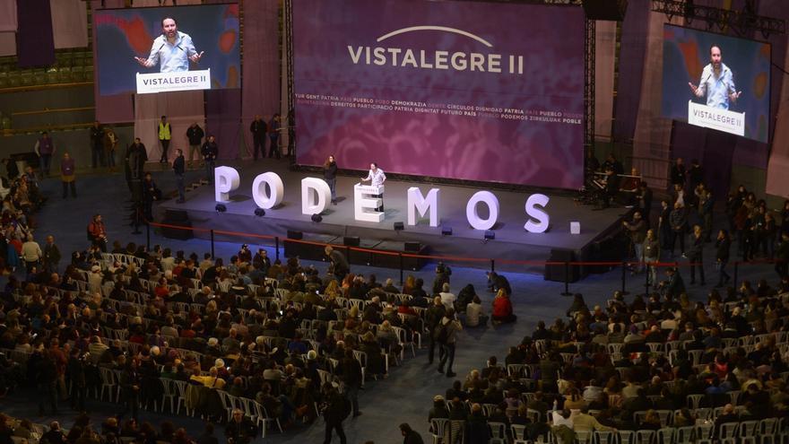 """Podemos presume de debate democrático en Vistalegre II frente a """"la mafia del PP"""" que no puede dar lecciones"""