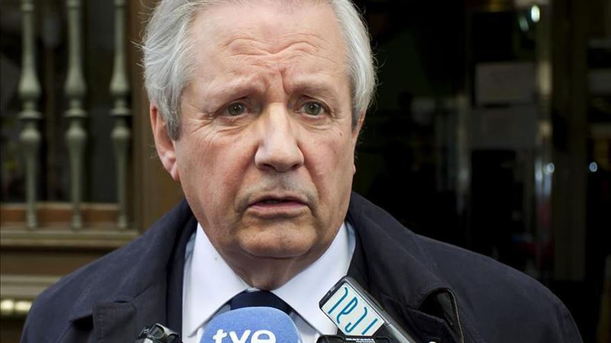 Bárcenas recibe en la cárcel al abogado Gómez de Liaño