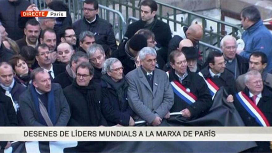 Mofas y quejas a TV3 por incluir a Mas en los 'líderes mundiales' de la manifestación histórica de París