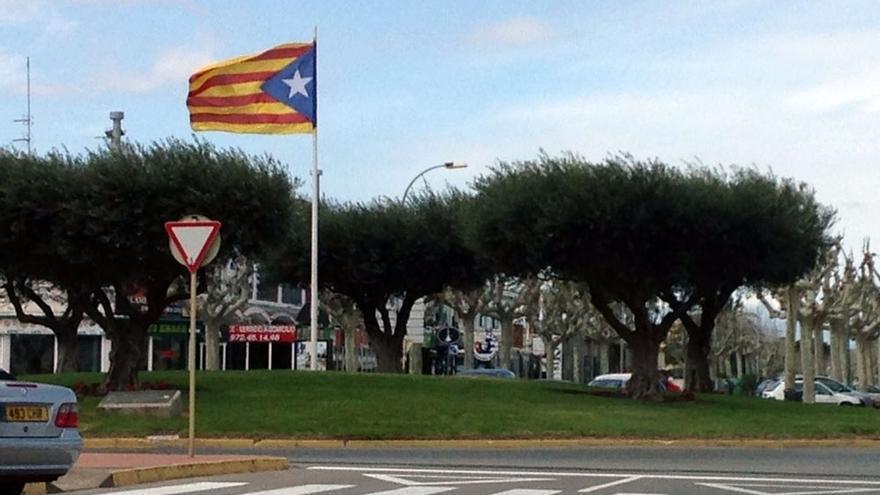 SCC afirma que la Junta Electoral pide retirar 104 'estelades' de espacios públicos