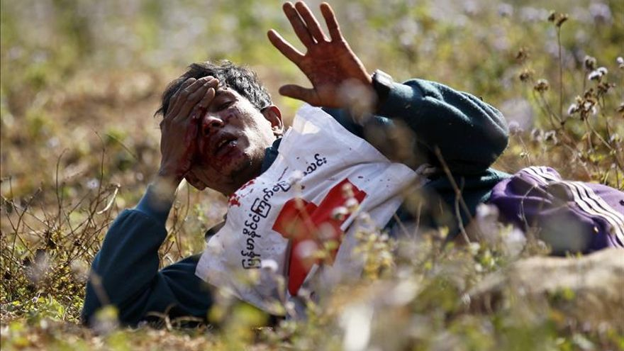 Dos heridos en el ataque a un convoy de la Cruz Roja de Birmania
