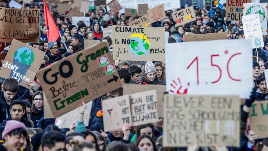Dos adolescentes revolucionan la lucha contra el cambio climático en Bélgica