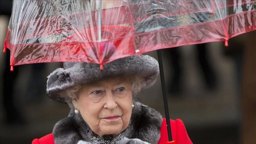 """Isabel II recuerda """"momentos de oscuridad"""" de 2015 en su mensaje de Navidad"""