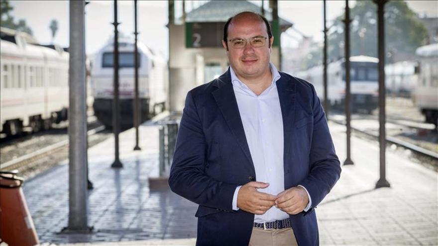 """Sánchez dice que España necesita un Gobierno que de seguridad, y no """"experimentos"""""""