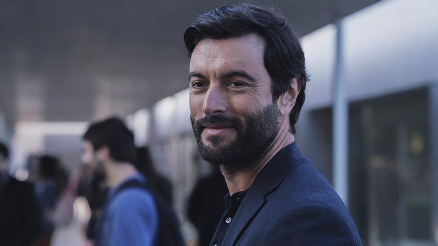 Javier Rey interpreta a Xavier Vera en 'Mentiras'