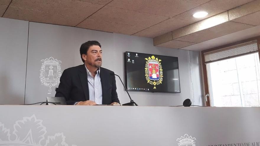 El alcalde de Alicante subraya que el PP no negoció con Belmonte (Guanyar) para recuperar la alcaldía