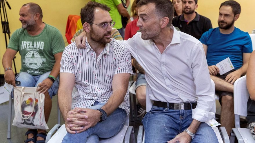 Antonio Maíllo y su sustituto, Toni Valero, nuevo coordinador general de IU Andalucía.