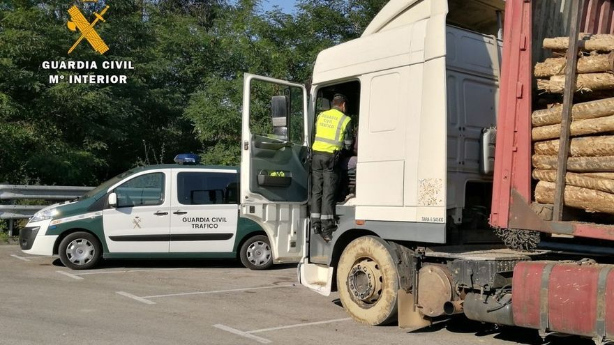 Tráfico detecta manipulaciones de tacógrafos en seis camiones