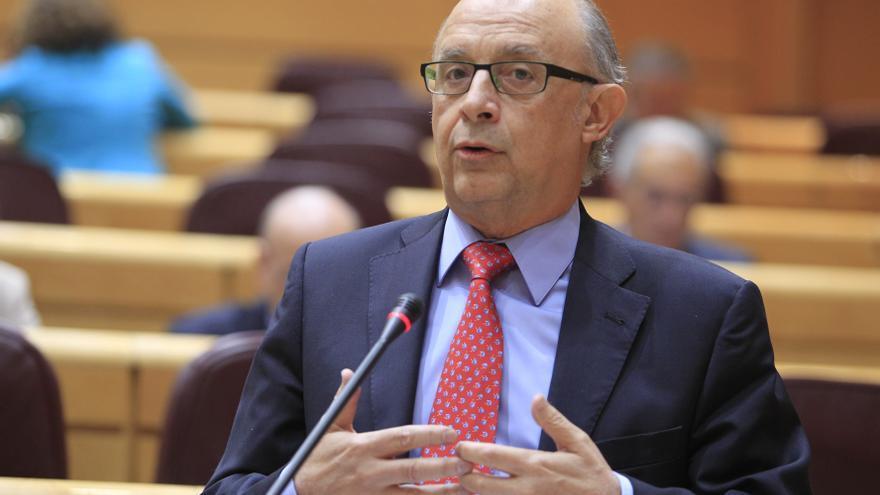 """Montoro muestra """"total confianza"""" en que España cumplirá los objetivos de déficit público"""