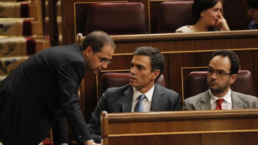 Los miembros de la dirección del PSOE en Congreso, Senado y Bruselas donan al partido entre 400 y 1.600 euros al mes