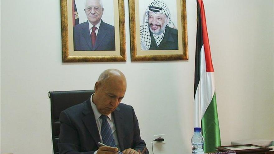 Nabil Shaath condena la legislación para extender la ley israelí a las colonias