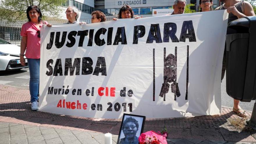 """El letrado de la migrante fallecida en el CIE de Aluche: """"Sus síntomas se banalizaron"""""""