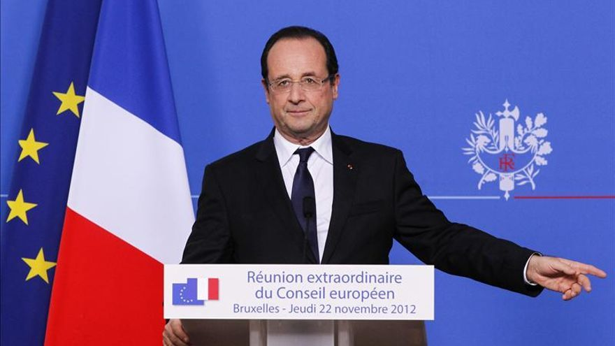 La oposición francesa pide a Hollande que proponga una votación en el Parlamento sobre Siria