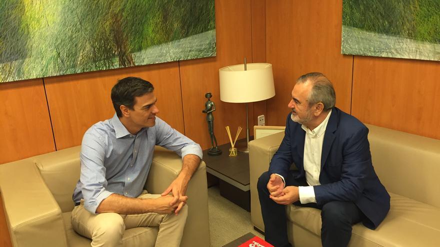 El secretario general del PSOE Región de Murcia, Rafael González Tovar, se reúne con el líder socialista Pedro Sánchez