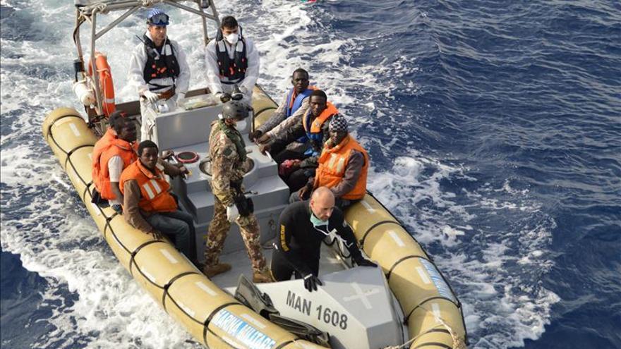 La Marina italiana rescata a 176 inmigrantes sirios y detiene a los traficantes
