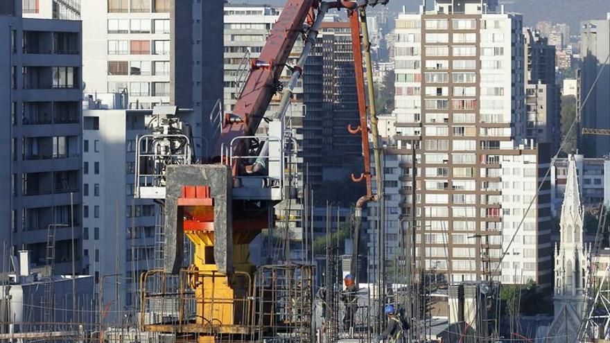 El desempleo sube en Chile al 6,6 % en el primer trimestre de 2017