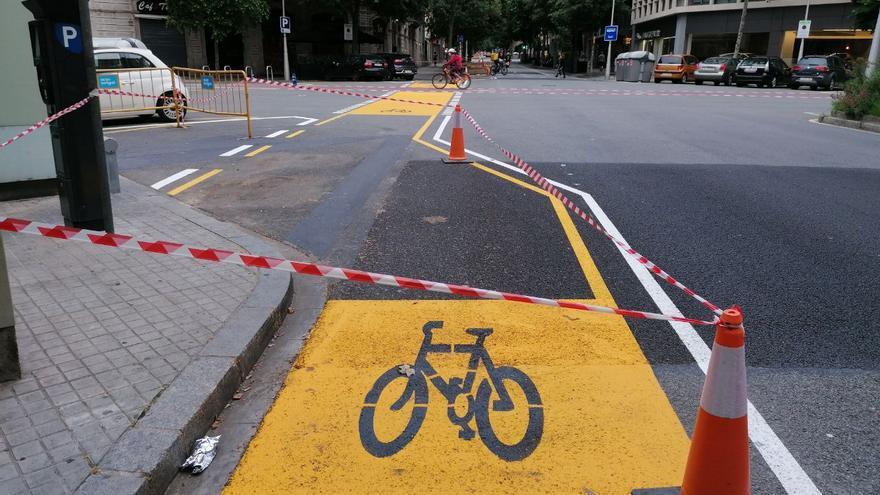 Nuevo carril bici en la calle Roger de Llúria de Barcelona