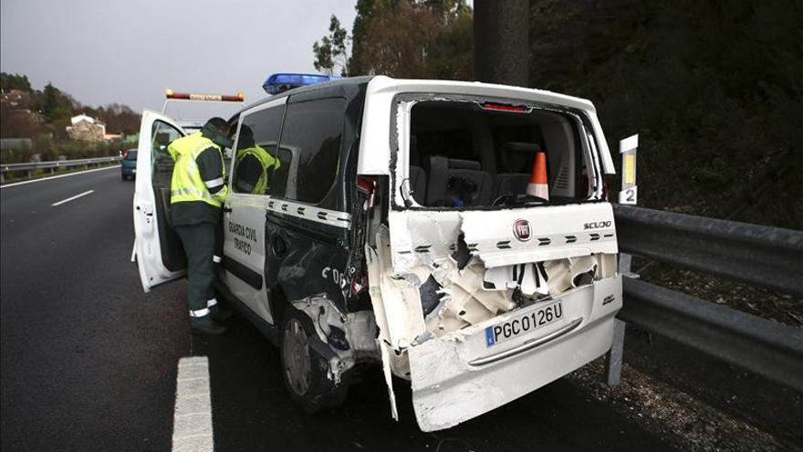 Varios vehículos, incluido uno de la Guardia Civil, chocan en la autovía tras caer granizo