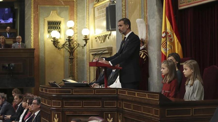 El Rey reclama el diálogo y la generosidad que han permitido formar Gobierno