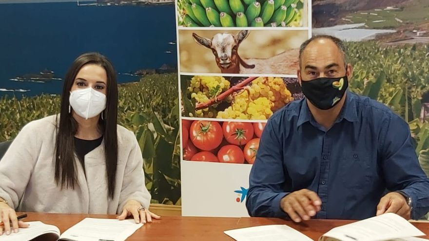 CaixaBank y Covalle suscriben un acuerdo para potenciar la actividad agraria de los asociados