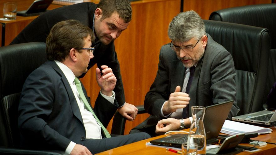 Asamblea de Extremadura, Presupuestos, Vara