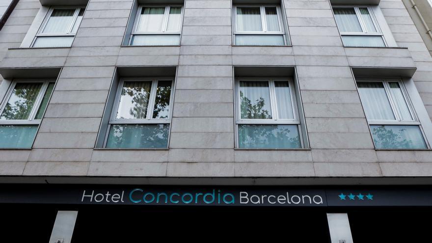 Los Mossos siguen la búsqueda sin éxito del padre que asesinó a su hijo en Barcelona